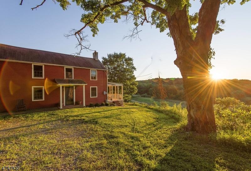 独户住宅 为 销售 在 29 Old Swartswood Road Hampton, 新泽西州 07860 美国