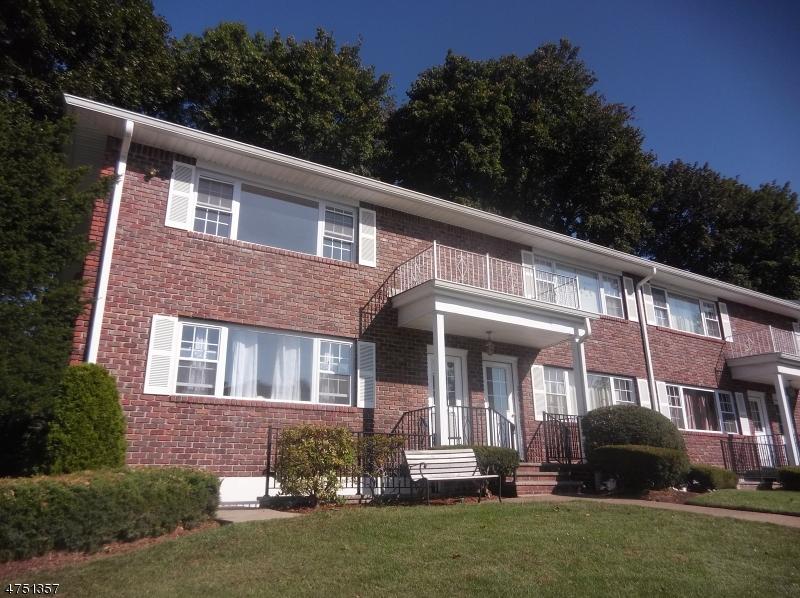 Частный односемейный дом для того Аренда на 250-260 FRANKLIN TPKE Mahwah, Нью-Джерси 07430 Соединенные Штаты