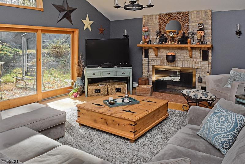 Casa Unifamiliar por un Venta en 274 Edison Road Sparta, Nueva Jersey 07871 Estados Unidos