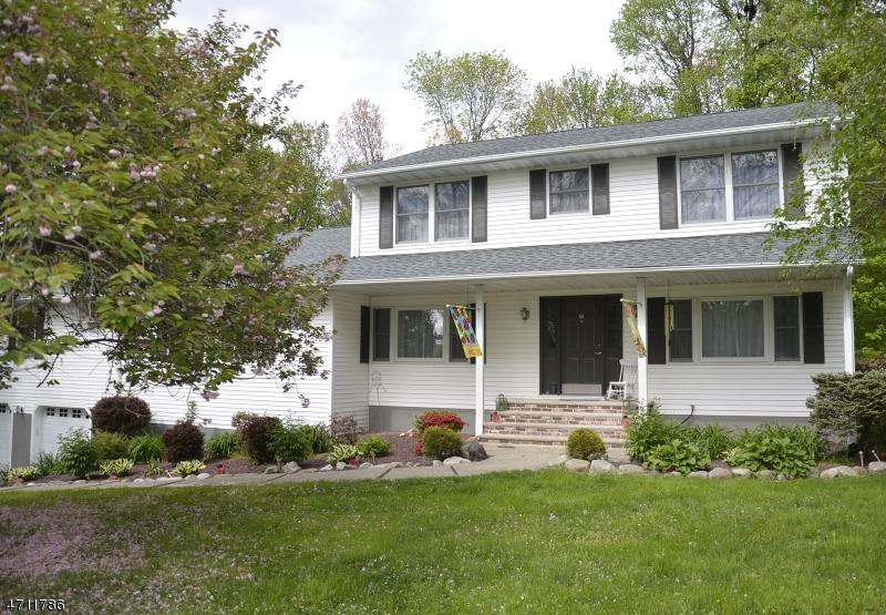 独户住宅 为 销售 在 9 Kerrs Corner Road Blairstown, 新泽西州 07825 美国