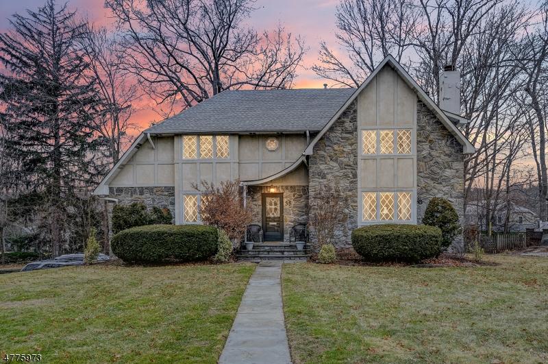 Casa Unifamiliar por un Venta en 35 SOUTH CRESCENT Maplewood, Nueva Jersey 07040 Estados Unidos