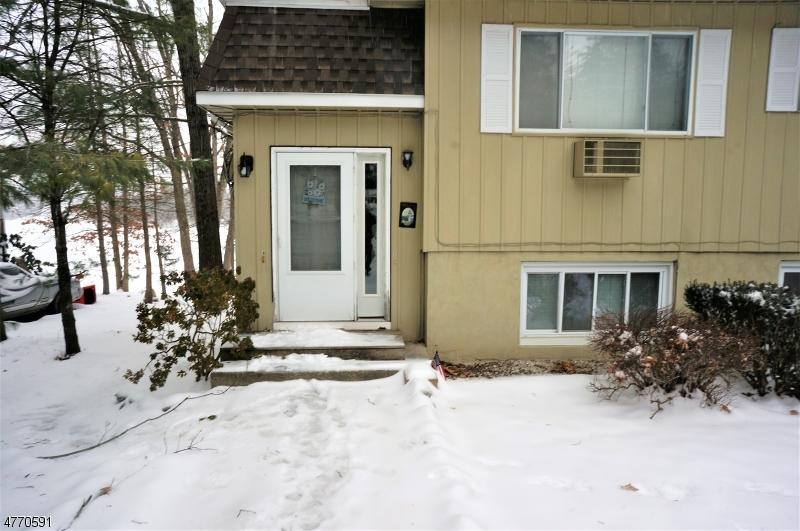 Maison unifamiliale pour l à louer à 354-A Lake Shore South Montague, New Jersey 07827 États-Unis
