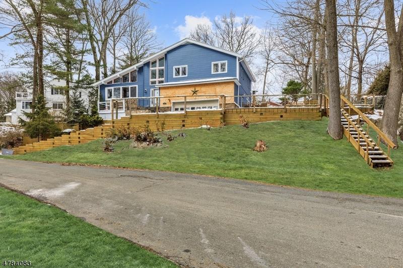 Casa Unifamiliar por un Venta en 28 Woodbine Ter Sparta, Nueva Jersey 07871 Estados Unidos