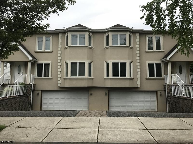多户住宅 为 销售 在 452 Westminster Place Lodi, 新泽西州 07644 美国