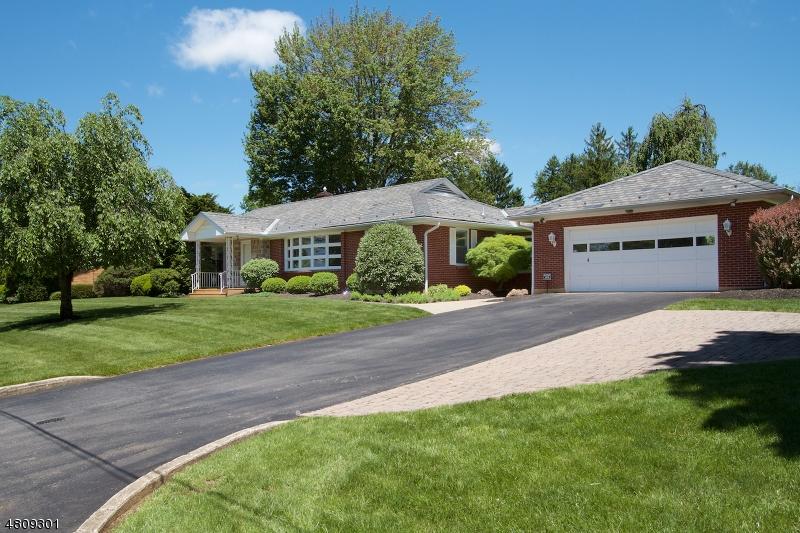 Casa Unifamiliar por un Venta en 6 Briarstone Road Lopatcong, Nueva Jersey 08865 Estados Unidos