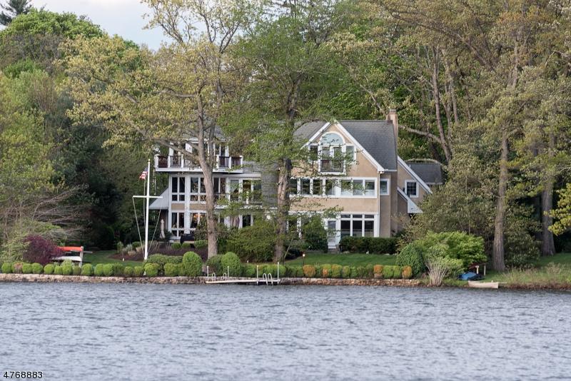 独户住宅 为 销售 在 28 LAKE Drive Mountain Lakes, 新泽西州 07046 美国