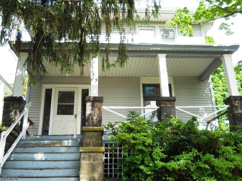 Maison unifamiliale pour l Vente à 235 RIDGEFIELD Avenue Bogota, New Jersey 07603 États-Unis