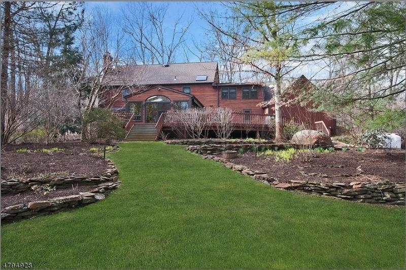 Nhà ở một gia đình vì Bán tại 18 Southview Drive Boonton, New Jersey 07005 Hoa Kỳ