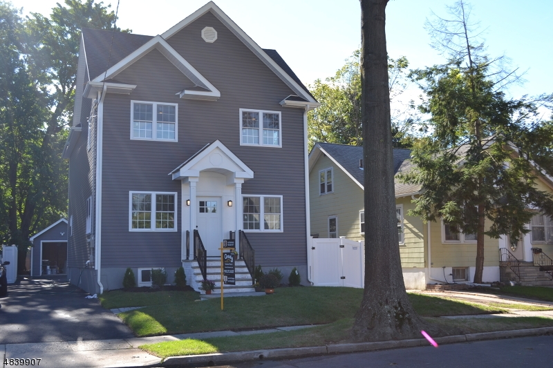 Single Family Home for Sale at 137 HILLCREST Avenue Cranford, New Jersey 07016 United States