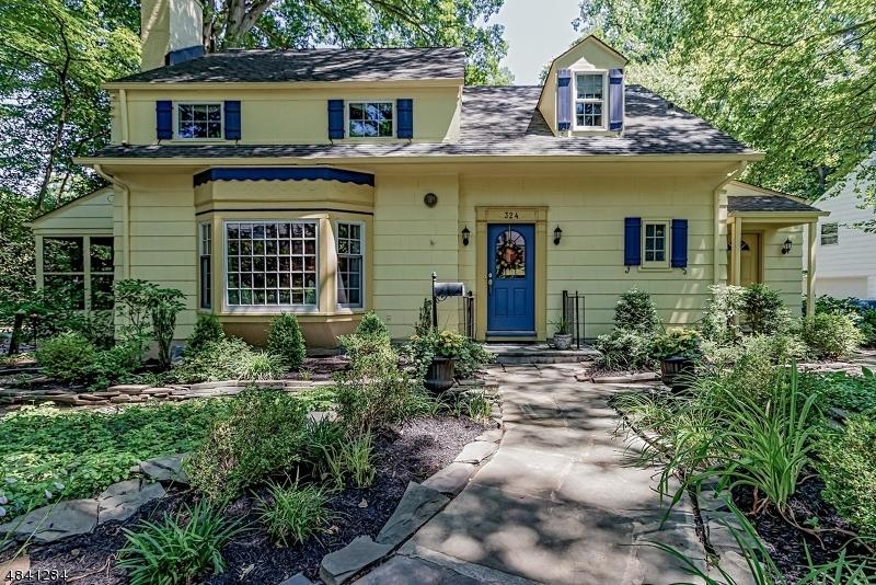 独户住宅 为 销售 在 324 PARTRIDGE RUN Mountainside, 新泽西州 07092 美国