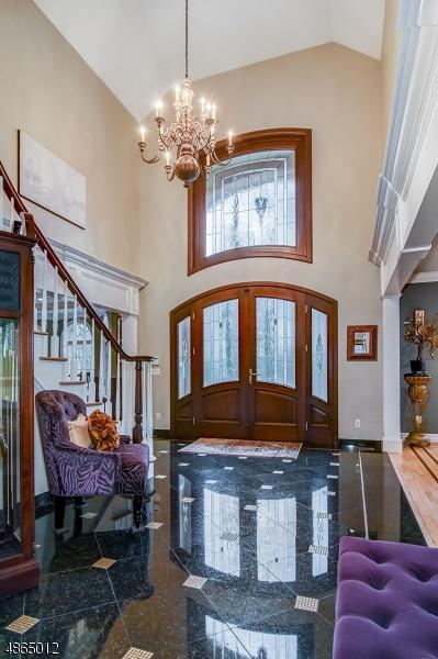 Частный односемейный дом для того Продажа на 100 MOUNTAIN Avenue West Orange, Нью-Джерси 07052 Соединенные Штаты