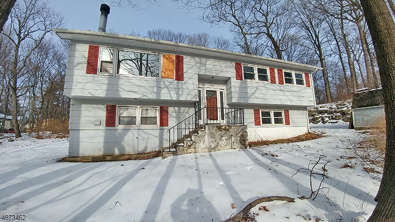 Single Family Home for Sale at 413 RIVER STYX Road Hopatcong, New Jersey 07843 United States