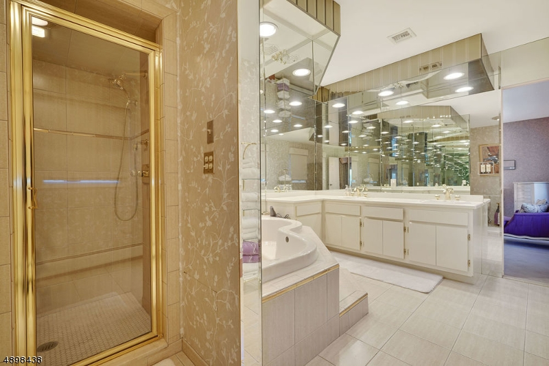 Additional photo for property listing at  Clark, 新泽西州 07066 美国