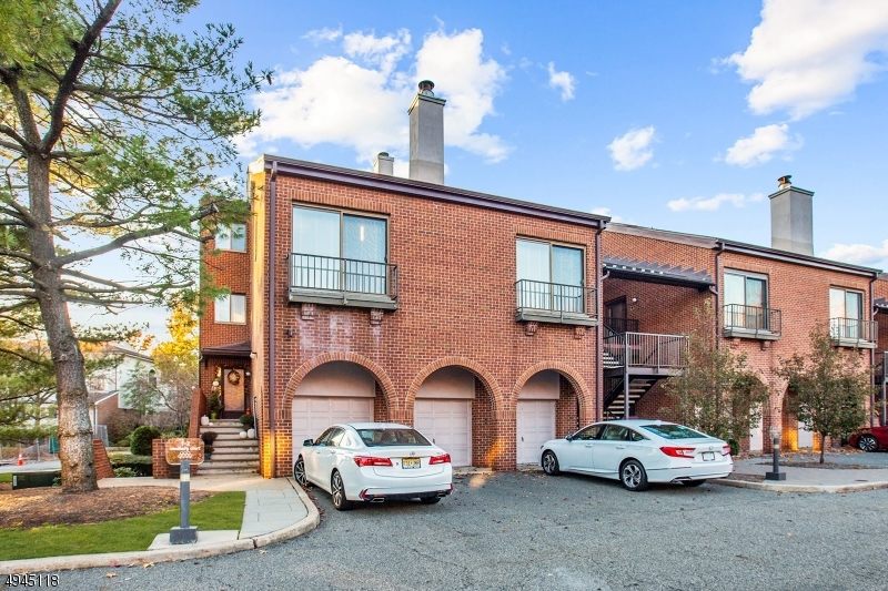 Condo / Townhouse for Sale at Teaneck, New Jersey 07666 United States