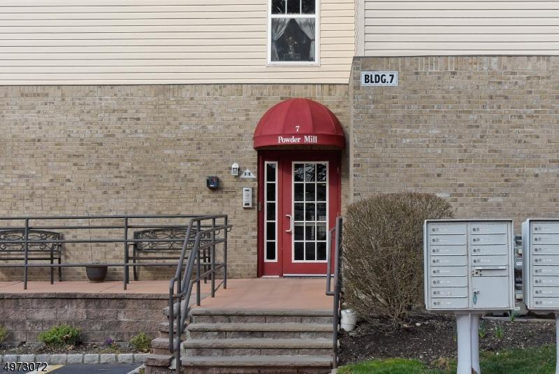 Condominio/ Casa de pueblo por un Venta en 725 CANNELLA WAY Riverdale, Nueva Jersey 07457 Estados Unidos