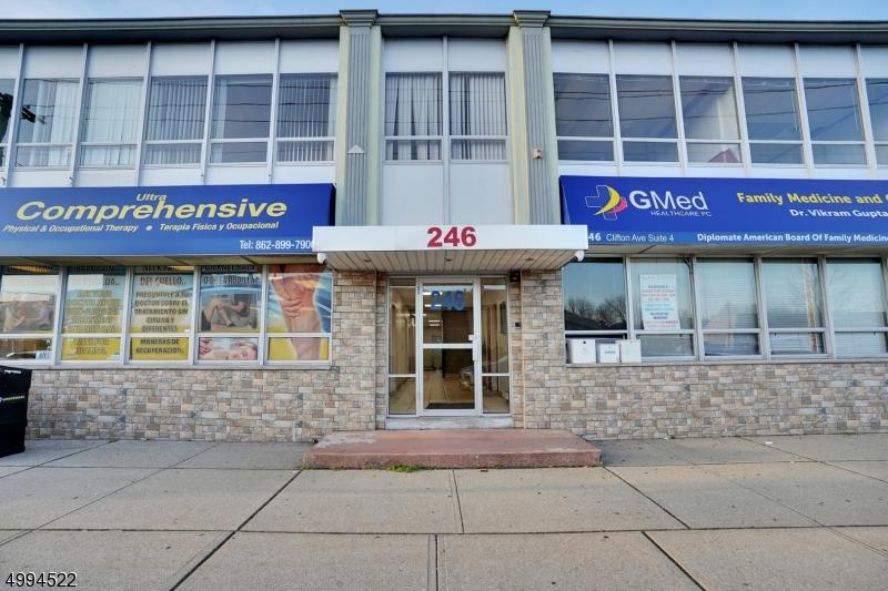Διαφημιστικό για την Πώληση στο Clifton, Νιου Τζερσεϋ 07011 Ηνωμένες Πολιτείες