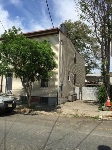 Additional photo for property listing at 161 16th Avenue  Paterson, Нью-Джерси 07501 Соединенные Штаты