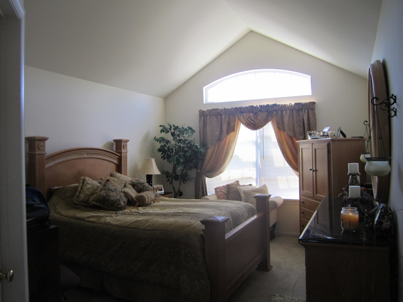 Additional photo for property listing at 1105 Highland Court  Stewartsville, Нью-Джерси 08886 Соединенные Штаты