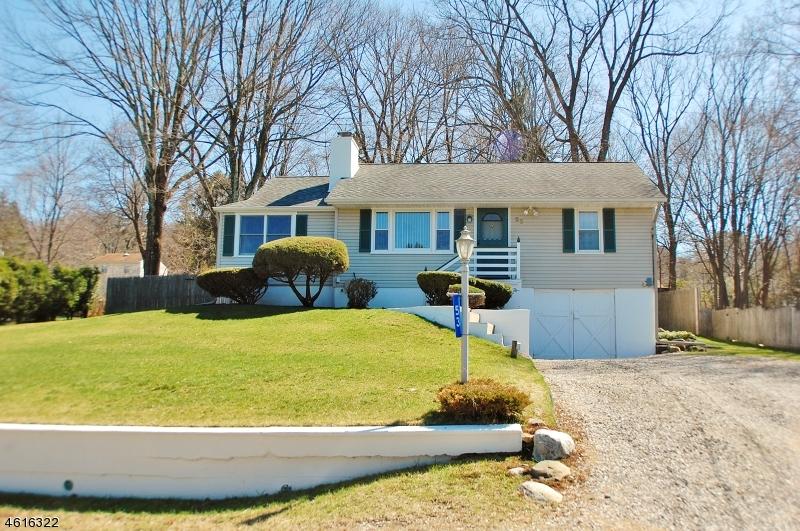 独户住宅 为 销售 在 53 Lakeside Avenue 斯德哥尔摩, 07460 美国