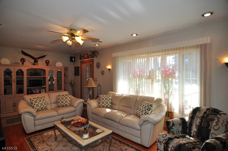 Additional photo for property listing at 20 Hillcrest Avenue  Clifton, New Jersey 07013 United States