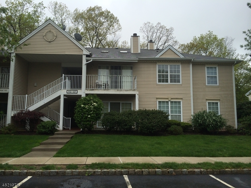 Additional photo for property listing at 115 Lindsey Court  Franklin Park, Nueva Jersey 08823 Estados Unidos