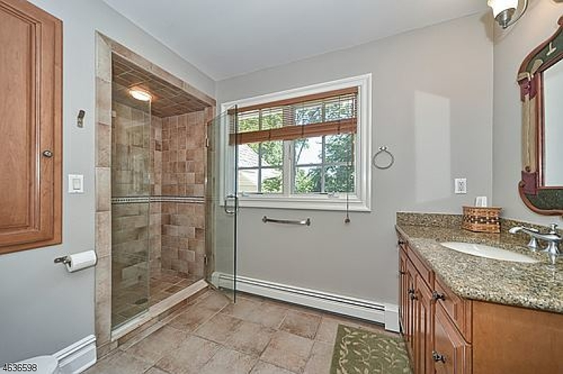 Additional photo for property listing at 501 Weymouth Drive  Wyckoff, New Jersey 07481 United States