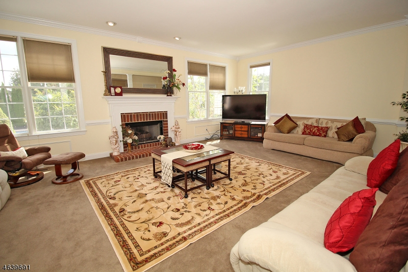 Additional photo for property listing at 4 SUNRISE COURT  Flemington, New Jersey 08822 États-Unis