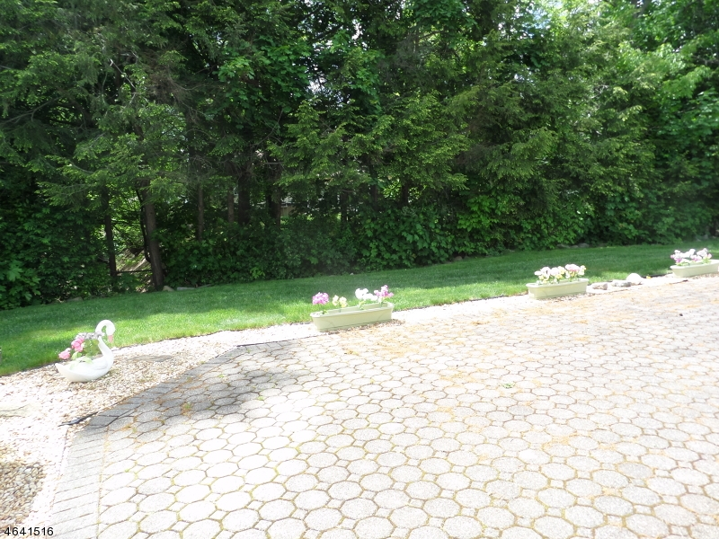 Additional photo for property listing at 15 Doric Avenue  Parsippany, Nueva Jersey 07054 Estados Unidos
