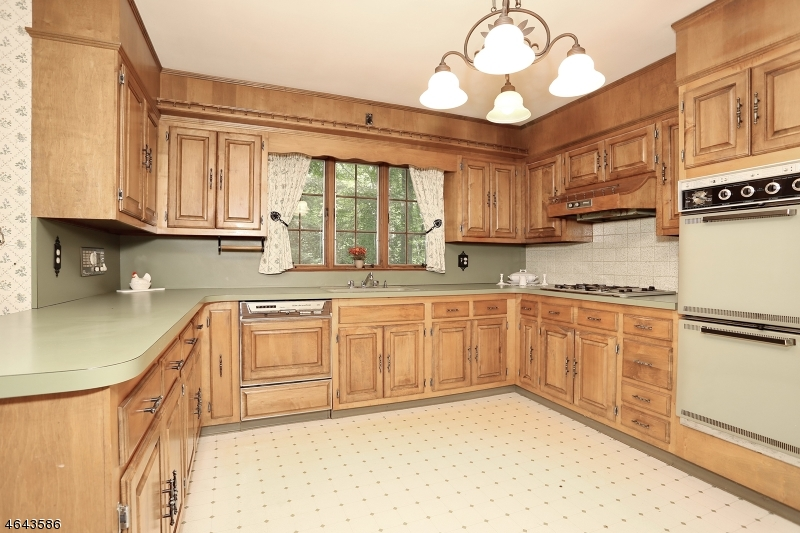Additional photo for property listing at 63 Twin Brooks Road  Saddle River, Нью-Джерси 07458 Соединенные Штаты