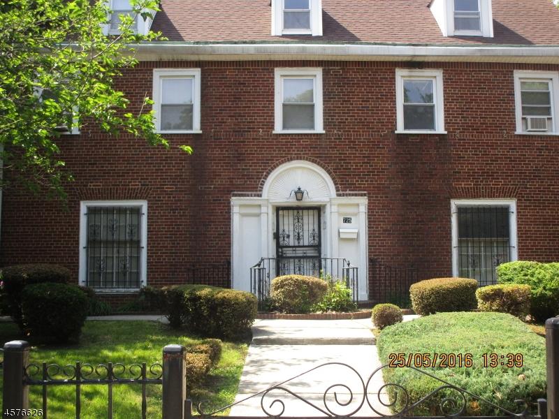 Частный односемейный дом для того Продажа на 725-731 ELIZABETH Avenue Newark, Нью-Джерси 07112 Соединенные Штаты