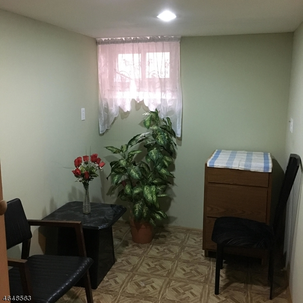 Additional photo for property listing at 229 E Linden Avenue  Linden, Нью-Джерси 07036 Соединенные Штаты