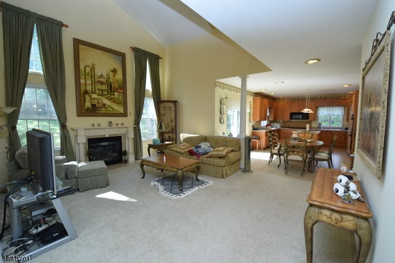 Additional photo for property listing at 5 Ridge Road  Dunellen, New Jersey 08812 United States