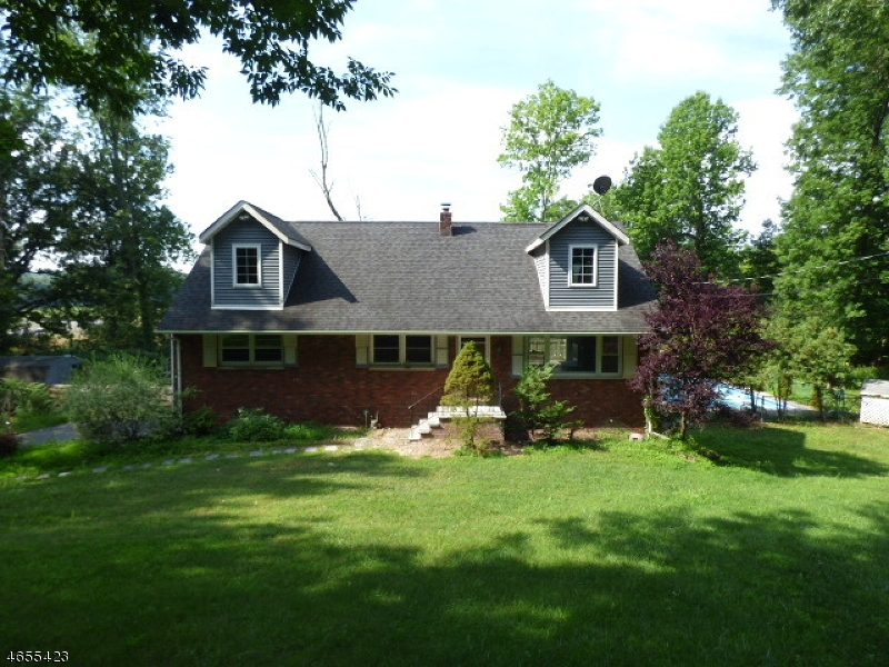 Additional photo for property listing at 54 Deerfield Drive  Hardyston, Нью-Джерси 07416 Соединенные Штаты