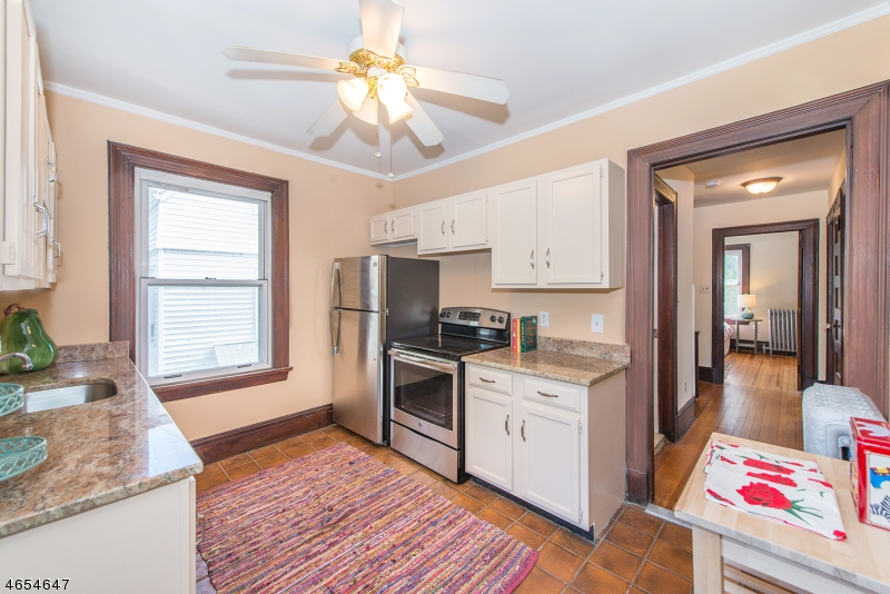 Additional photo for property listing at 20 Forest St, C0002  Montclair, Nueva Jersey 07042 Estados Unidos