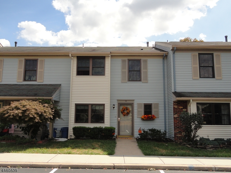Single Family Home for Sale at 19 Exeter Court Somerset, New Jersey 08873 United States