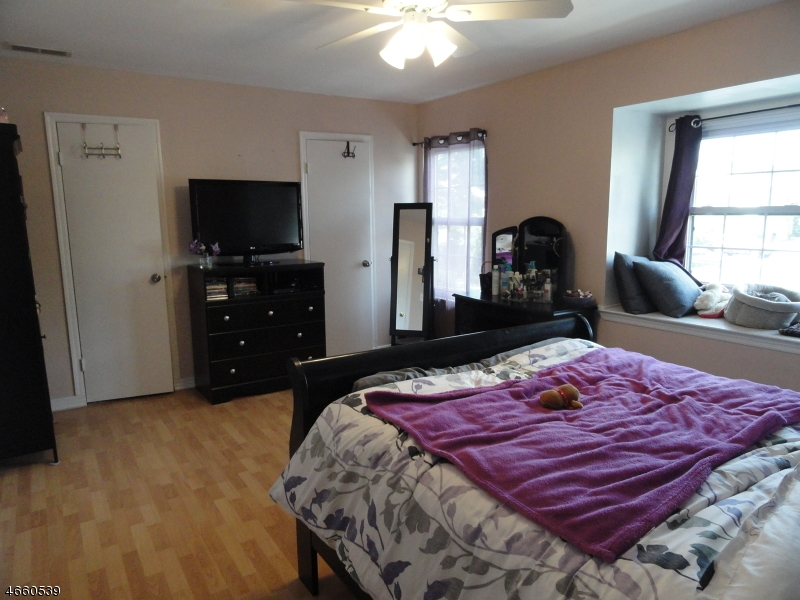 Additional photo for property listing at 19 Exeter Court  Somerset, New Jersey 08873 United States