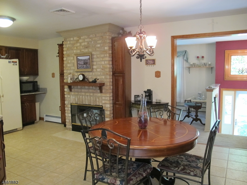 Additional photo for property listing at 23 E Shore Drive  Vernon, New Jersey 07462 États-Unis