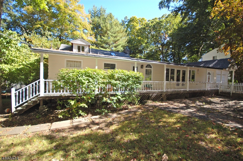 Additional photo for property listing at 3 Windbeam Loop  Ringwood, New Jersey 07456 États-Unis
