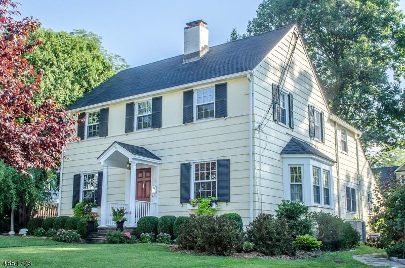 独户住宅 为 销售 在 20 BODWELL TER 米尔本, 新泽西州 07041 美国