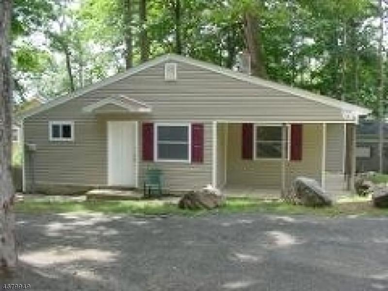 Частный односемейный дом для того Аренда на 207B Nariticong Avenue Hopatcong, Нью-Джерси 07843 Соединенные Штаты