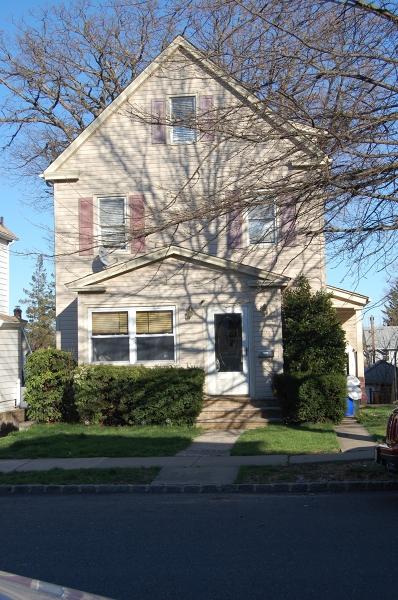 Частный односемейный дом для того Аренда на 406-408 DE WITT Avenue Belleville, Нью-Джерси 07109 Соединенные Штаты