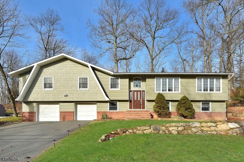 Maison unifamiliale pour l Vente à 340 Conklintown Road Ringwood, New Jersey 07456 États-Unis
