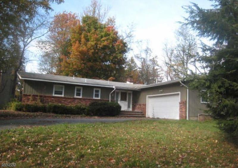 Maison unifamiliale pour l à louer à 3 Spruce Point Trl, r West Milford, New Jersey 07421 États-Unis