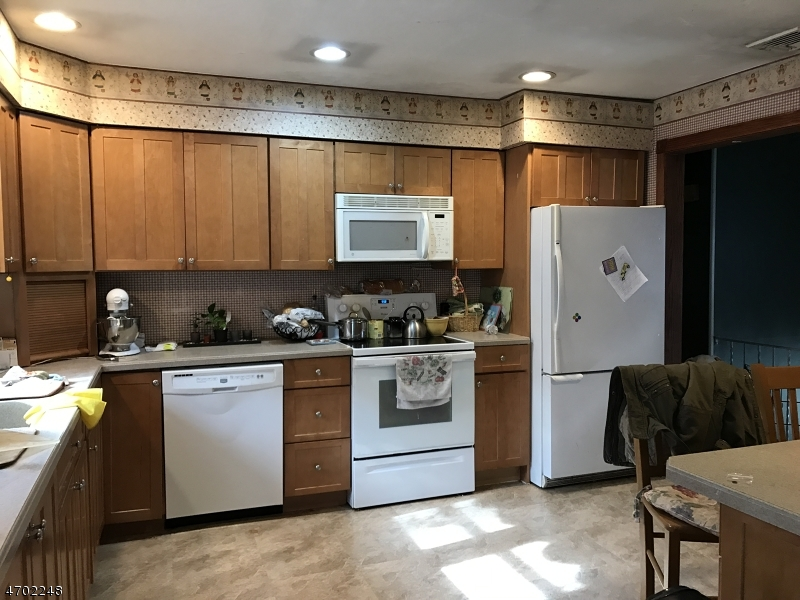 Additional photo for property listing at 185 Glenside Trail  Byram Township, Нью-Джерси 07871 Соединенные Штаты