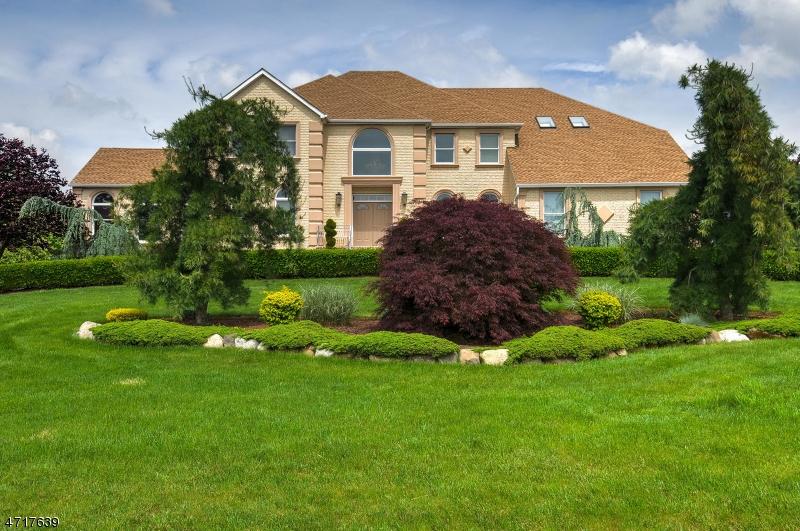 Частный односемейный дом для того Продажа на 188 Fairfield Lane Hillsborough, 08844 Соединенные Штаты
