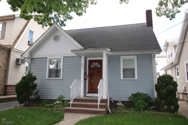 Single Family Home for Sale at 399 Devon Street Kearny, New Jersey 07032 United States