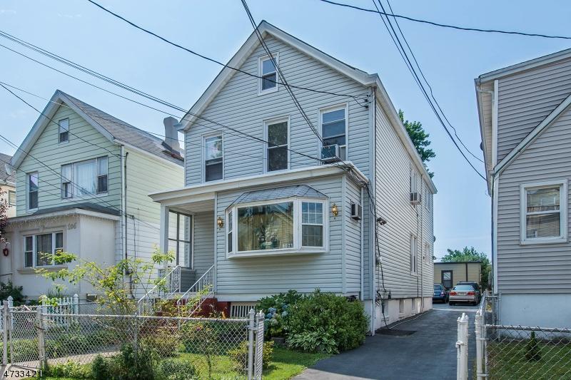 Многосемейный дом для того Продажа на 104 Grand Street Garfield, Нью-Джерси 07026 Соединенные Штаты