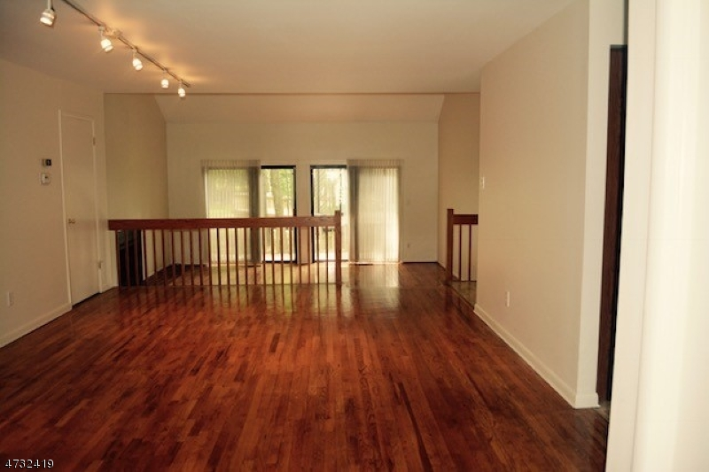 独户住宅 为 出租 在 14 Lynn Court 莫里斯敦, 新泽西州 07960 美国