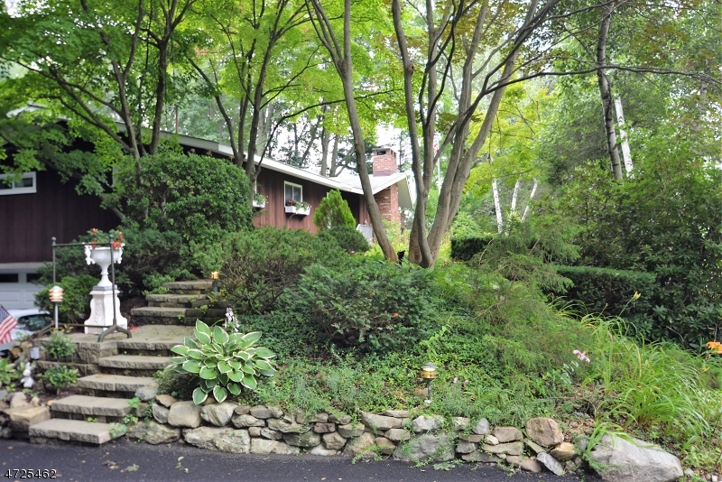 Single Family Home for Sale at 2 Crescent Drive Jefferson Township, New Jersey 07849 United States