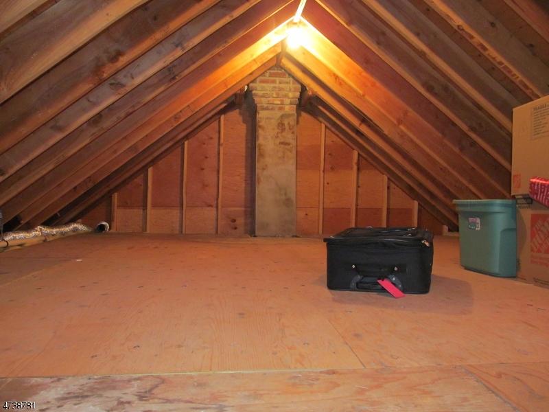 Частный односемейный дом для того Аренда на 210 Howard Blvd Mount Arlington, Нью-Джерси 07856 Соединенные Штаты